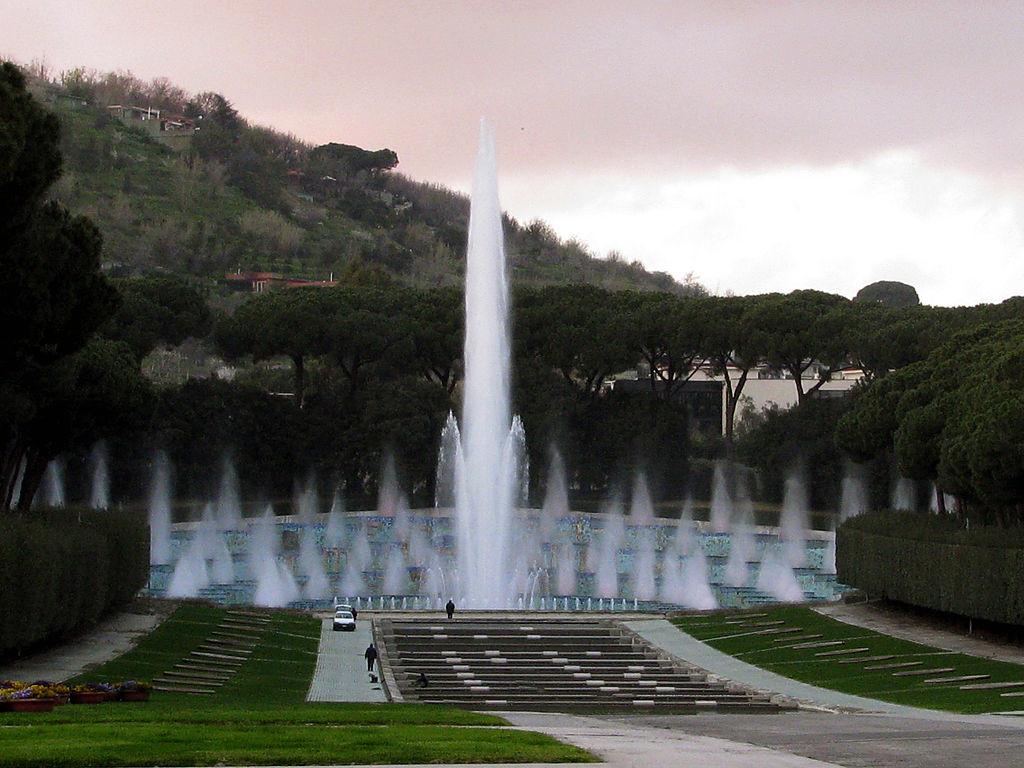 Fontana Esedra Mostra d 'oltremare