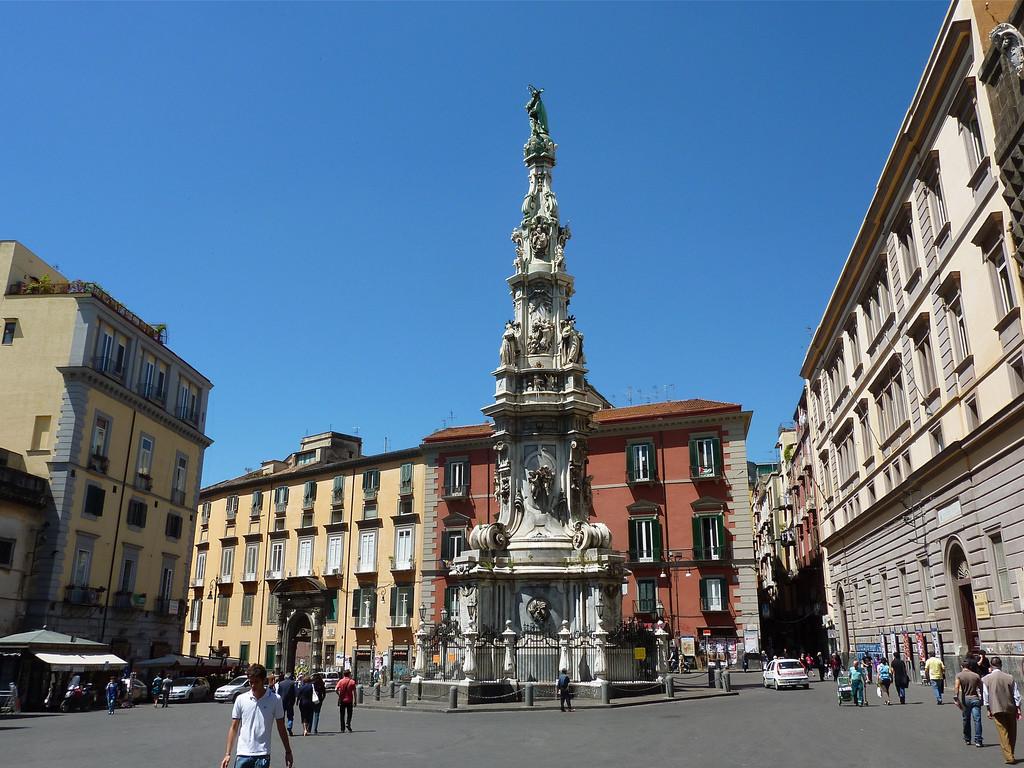 Obelisco Piazza del Gesù