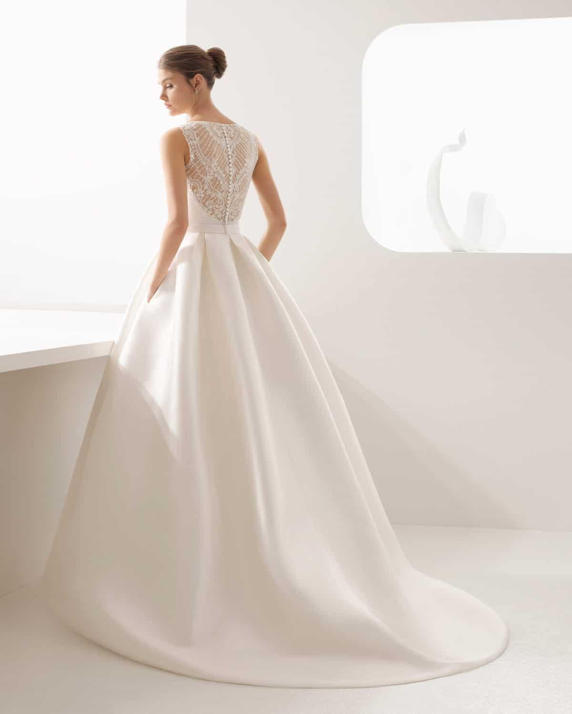 c3574c0d8bb5 Abito da sposa cercasi  i migliori atelier in Campania