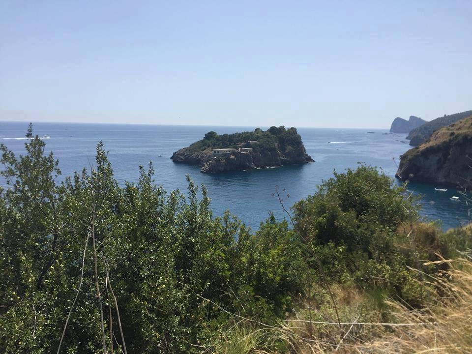 Fiordo di Crapolla, trekking tra la collina e il mare