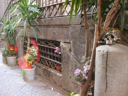 Napoli:un fantasma in ogni vicolo