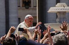 Papa francesco in papamobile