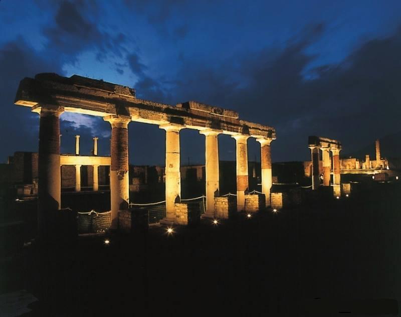 Pompei di notte: visita sotto le stelle