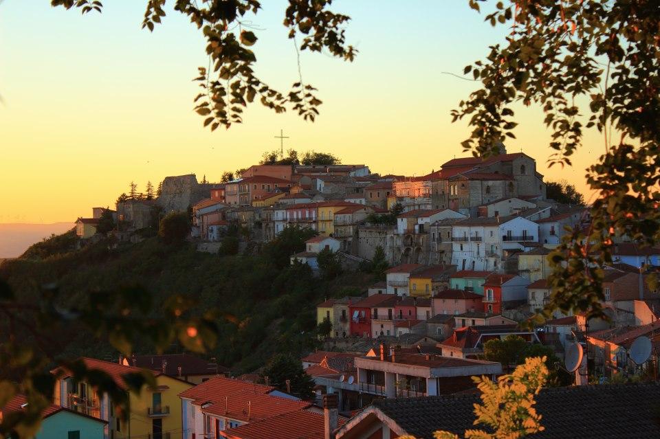 Savignano Irpino . Foto da https://it.wikipedia.org/wiki/File:Savignano_irpino.jpg