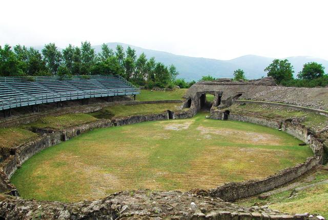 Anfiteatro romano, Avella.