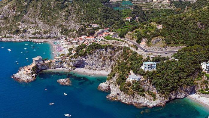 Baia di Erchie, estate in Campania