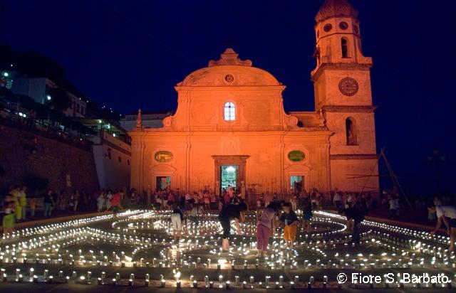 Luminarie di San Domenico a Praiano. Eventi in Campania ad agosto