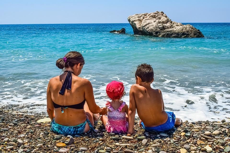 mare con i bambini nel cilento
