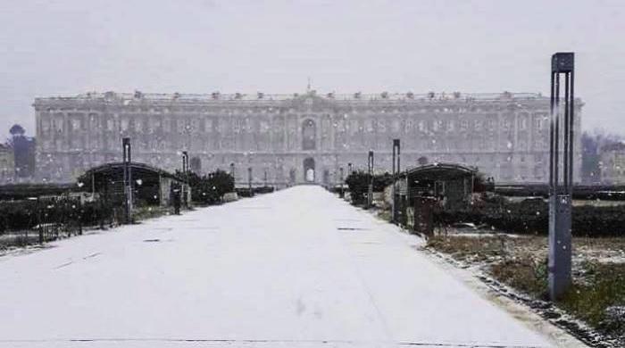 Neve in Campania. La Reggia di Caserta