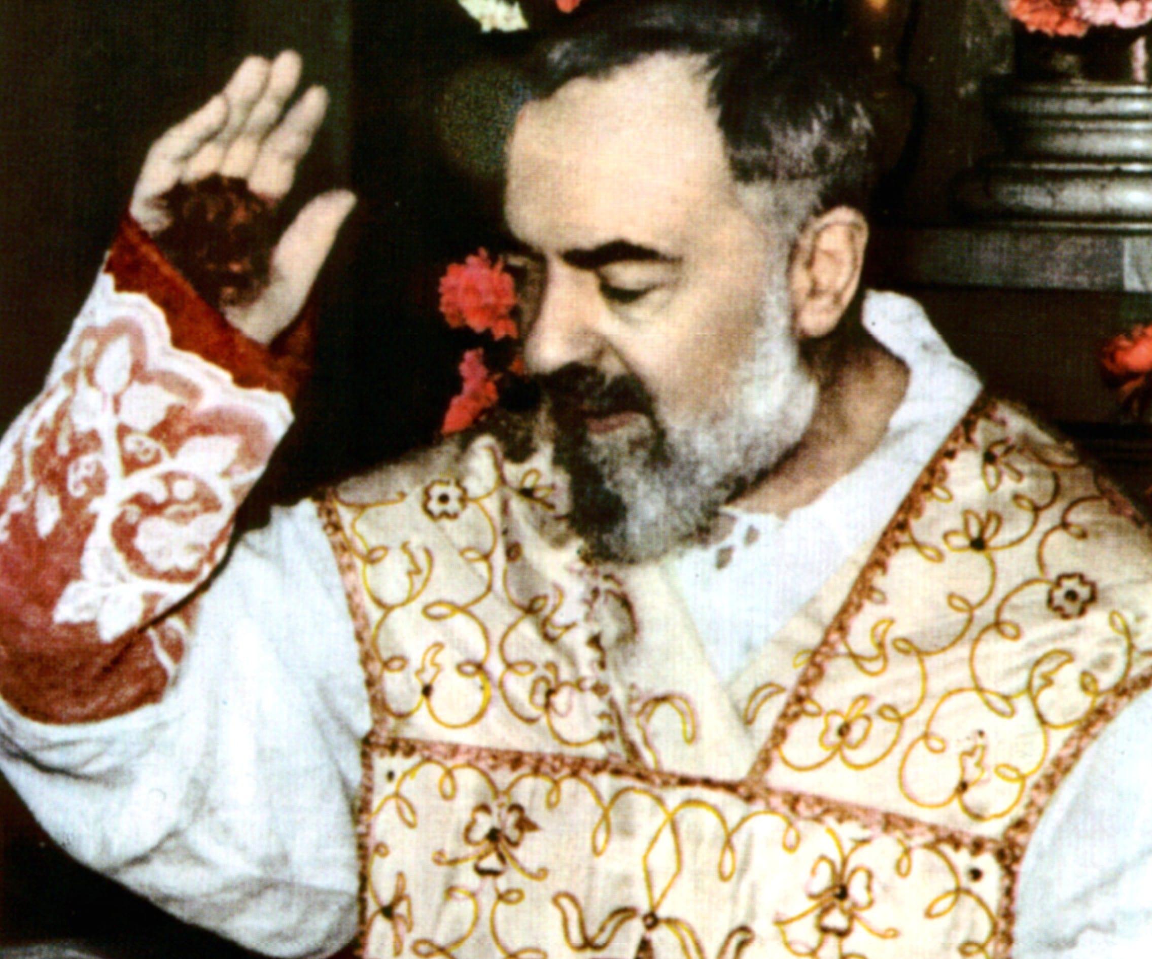 Preferenza A Pietrelcina nei luoghi di Padre Pio: un itinerario di fede nel  WU51