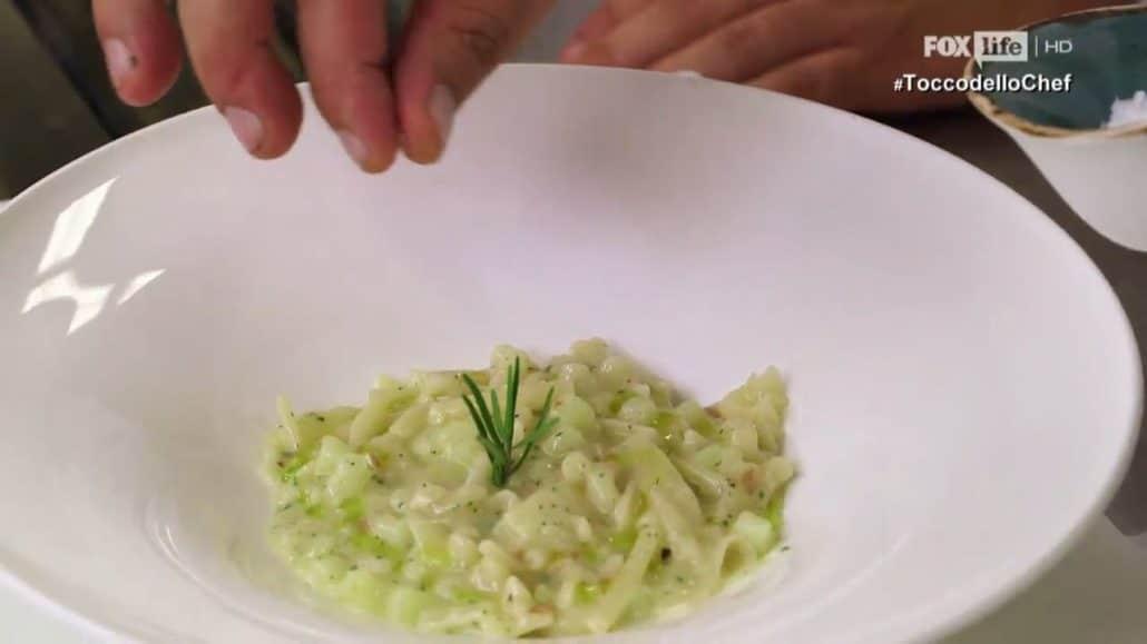 Pasta mista con patate e provola. Foto FoxLife