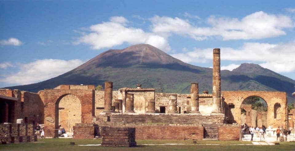 Fascino all'ombra del Vesuvio: gli scavi di Pompei
