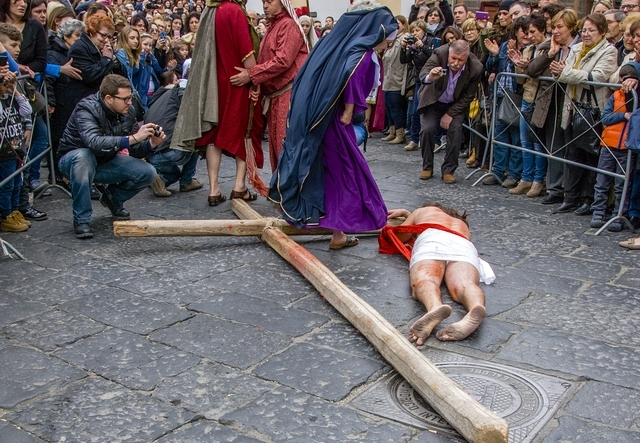 Processione di Lauro