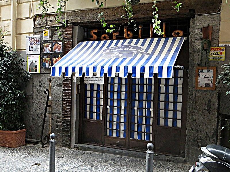 Sorbillo, chiusura pizzerie