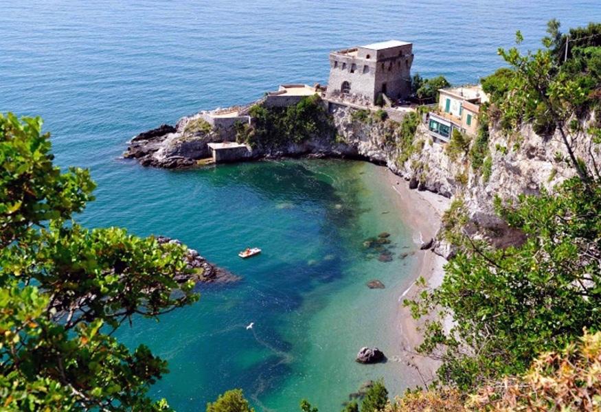 Matrimonio Spiaggia Costiera Amalfitana : Baia di erchie un angolo paradiso in costiera amalfitana