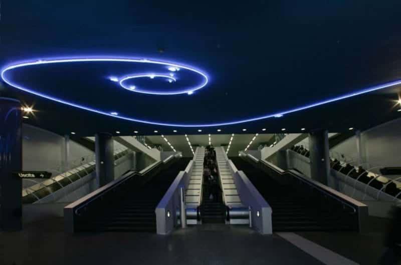 Stazioni dell'arte a Napoli. Stazione vanvitelli