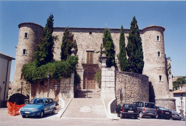 Zungoli: Castello